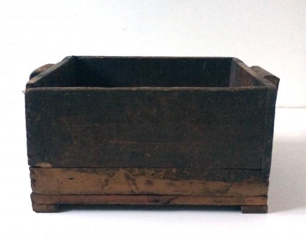 Holzkiste, kleine Apfelkiste, braun, gebraucht, L 35 -40cm x B 30,5cm x H 19,5cm