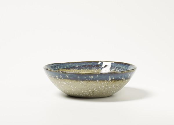 Schale ø 18 cm H 5,5 cm Oberfläche weiß Untergrund gesprenkelt Rand blau