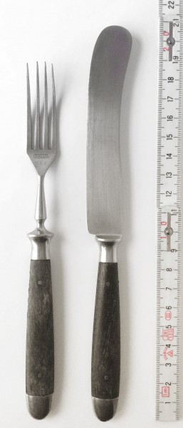 Messer + Gabel mit braunem Holzgriff, vintage L 21 cm