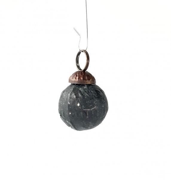kleine Weihnachtskugel L 2,5 cm schwarz mit silbrig used look Muster