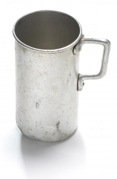 Henkelbecher, Weißblech, vintage, H 13 cm ø 7 cm